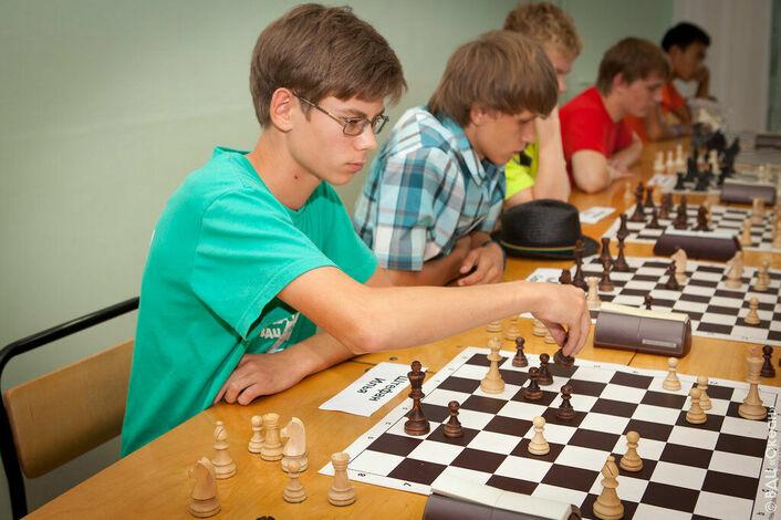шахматный кружок картинки есть деревянный помост